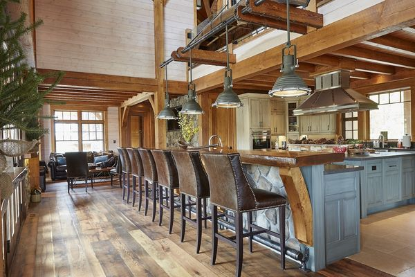 Hill-Top-Retreat-Collingwood-Ontario-Canadian-Timberframes-Breakfast-Bar