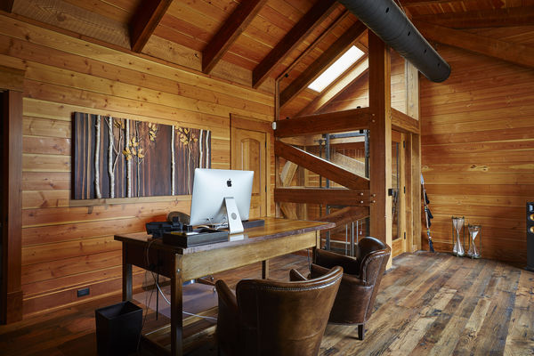 Hill-Top-Retreat-Collingwood-Ontario-Canadian-Timberframes-Bathroom