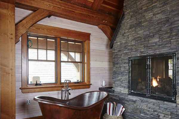 Hill-Top-Retreat-Collingwood-Ontario-Canadian-Timberframes-Bath