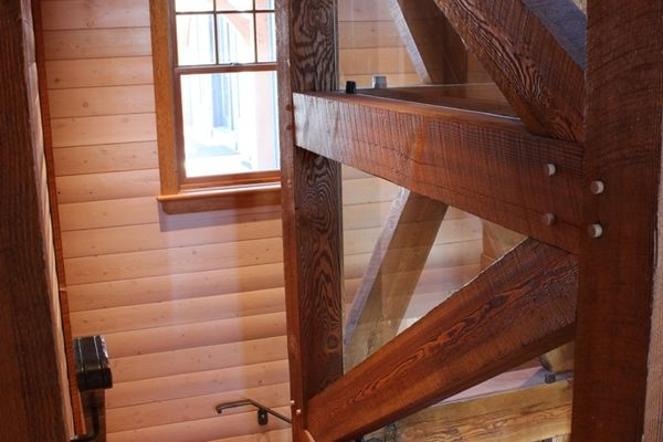Hill-Top-Retreat-Collingwood-Ontario-Canadian-Timberframes-timber-Beams