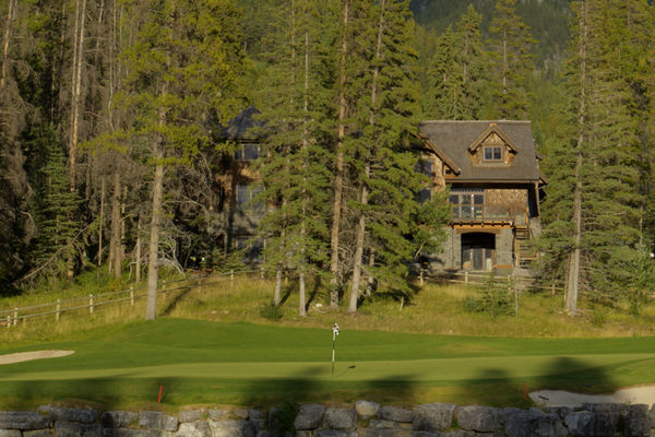 Silvertip-Treasure-Alberta-Canadian-Timberframes-Golf-Course