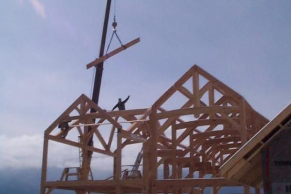 Osprey-Point-Invermere=British-Columbia-Canadian-Timberframes-Construction