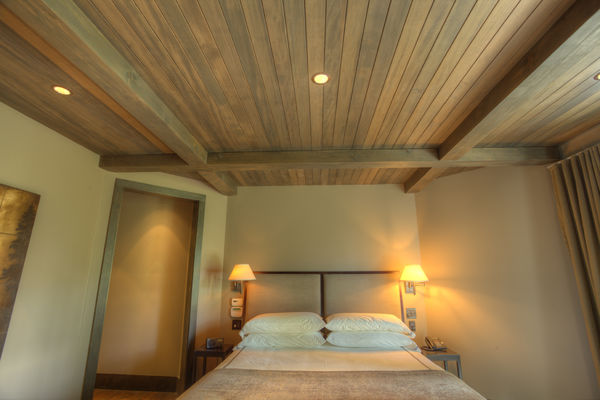 Polished-Vale-Canmore-Alberta-Canadian-Timberframes-Bedroom-Ceiling