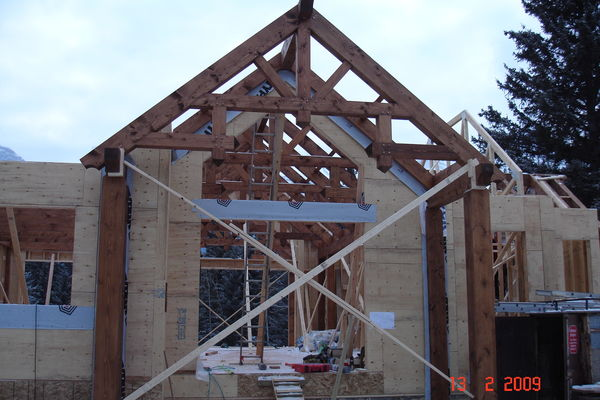 Elbow-River-Ridge-Alberta-Canadian-Timberframes-Construction-Entry-Truss
