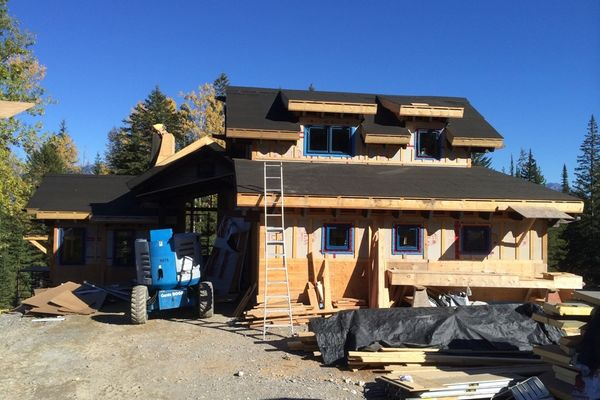 Kicking-Horse-Chalet-British-Columbia-Canadian-Timberframes-Construction