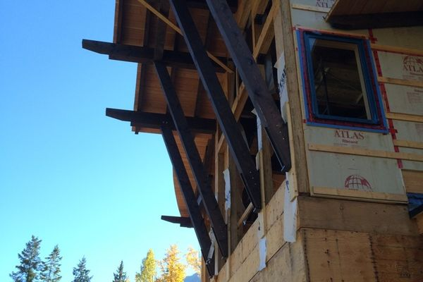Kicking-Horse-Chalet-British-Columbia-Canadian-Timberframes-Construction-Timber-Frame
