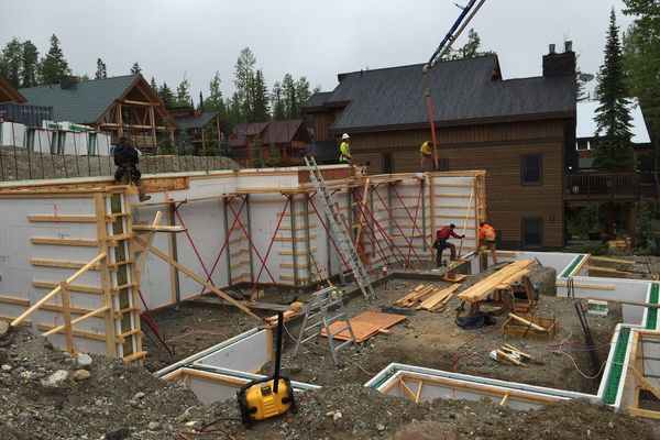Kicking-Horse-Chalet-British-Columbia-Canadian-Timberframes-Construction-Panels
