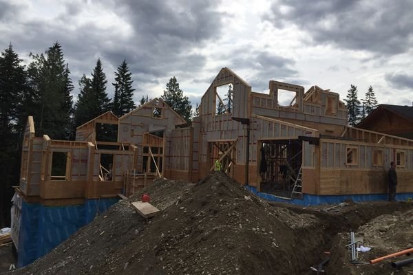 Kicking-Horse-Chalet-British-Columbia-Canadian-Timberframes-Construction-