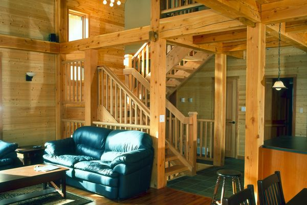 Wild-Horse-Chalet-BC-Canadian-Timberframes-Great-Room