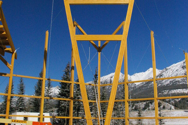 Grizzly-Paw-Brewery-Alberta-Canadian-Timberframes-Construction-Timber-Raising