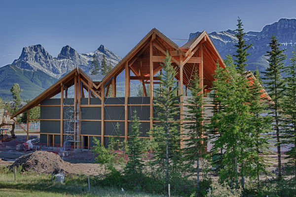 Grizzly-Paw-Brewery-Alberta-Canadian-Timberframes-Construction-Exterior