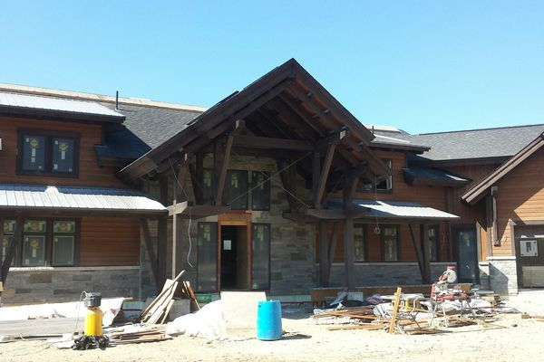 Lake-of-Bays-Haven-Ontario-Canadian-Timberframes-Construction-Exterior-Front