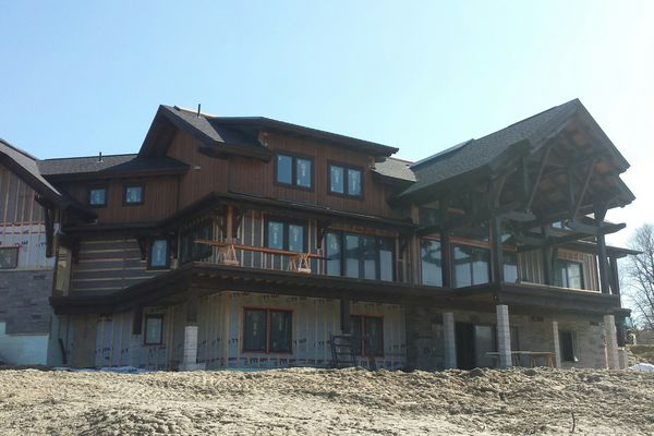Lake-of-Bays-Haven-Ontario-Canadian-Timberframes-Construction-Rear-Deck