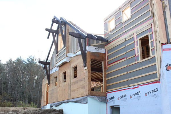 Lake-of-Bays-Haven-Ontario-Canadian-Timberframes-Construction-Gable