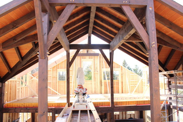 Lake-of-Bays-Haven-Ontario-Canadian-Timberframes-Construction-Timber-Rafters
