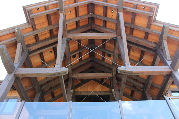 Lake-of-Bays-Haven-Ontario-Canadian-Timberframes-Construction-Rear-Deck-Truss