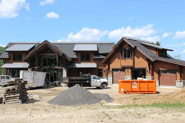 Lake-of-Bays-Haven-Ontario-Canadian-Timberframes-Construction-Front-Exterior