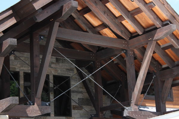 Lake-of-Bays-Haven-Ontario-Canadian-Timberframes-Construction-Entry-Truss