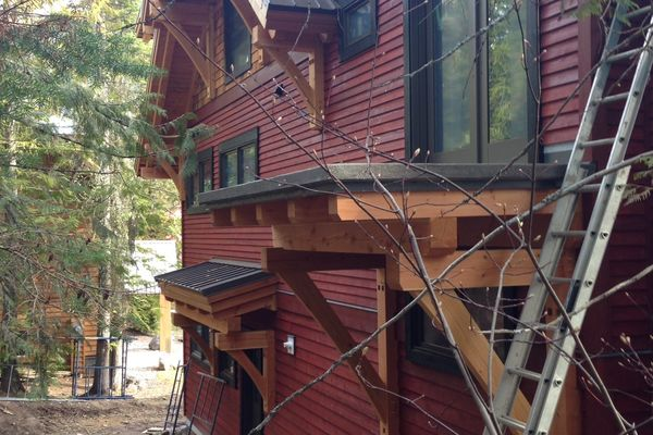 Caribou-Peak-Fernie-BC-Canadian-Timberframes-Construction-Exterior