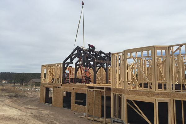 Black-Forest-Timber-Frame-Home-Colorado-Canadian-Timberframes-Construction-Raising