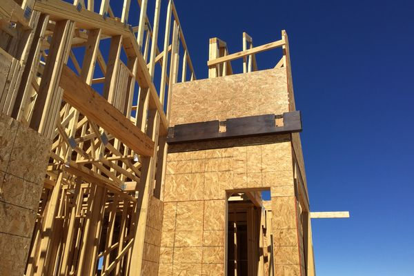 Black-Forest-Timber-Frame-Home-Colorado-Canadian-Timberframes-Construction-Wall-Panels
