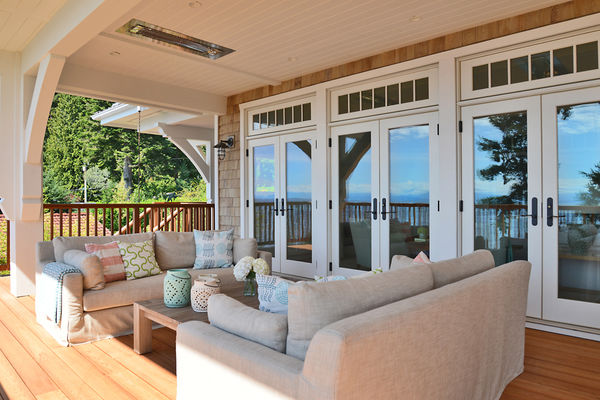 Sunshine-Coast-Cottage-British-Columbia-Canadian-Timberframes-Covered-Deck