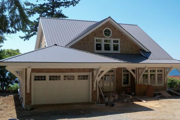 Sunshine-Coast-Cottage-British-Columbia-Canadian-Timberframes-Construction-Exterior-Deck