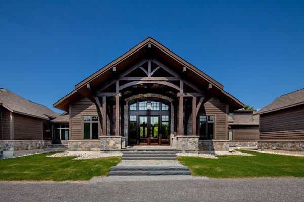 Modern-Trails-Ontario-Canadian-Timberframes-Front-Entrance