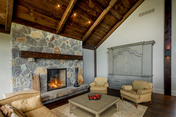 Modern-Trails-Ontario-Canadian-Timberframes-Fireplace