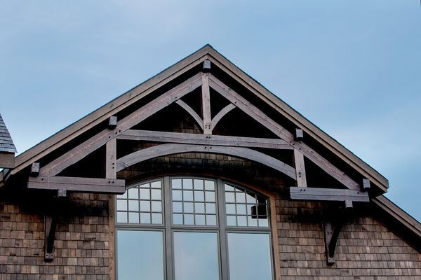 Modern-Trails-Ontario-Canadian-Timberframes-Timber-Frame-Truss