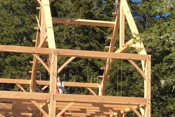 Maine-Family-Party-Barn-Canadian-Timberframes-Construction-Raising