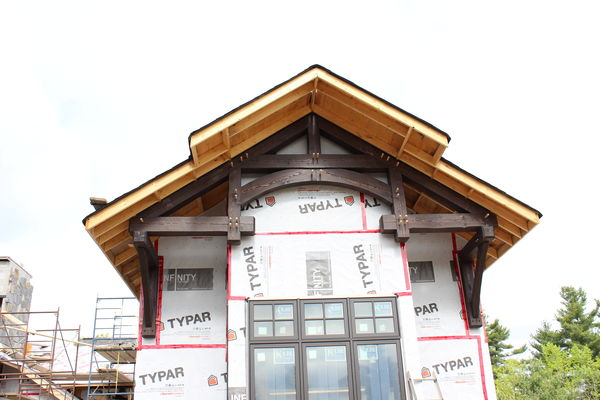 Modern-Trails-Ontario-Canadian-Timberframes-Construction-Timber-Truss