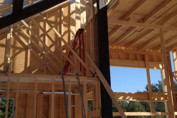 Modern-Trails-Ontario-Canadian-Timberframes-Construction-Timber