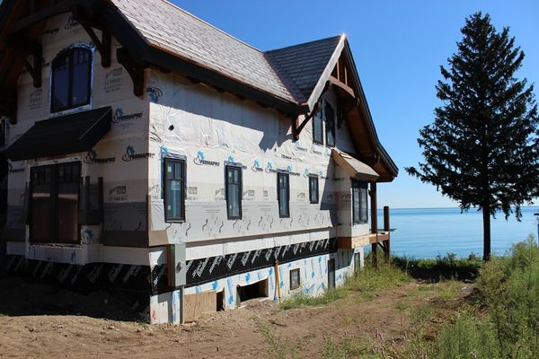 Great-Lakes-Legacy-Michigan-Canadian-Timberframes-Construction-Exterior