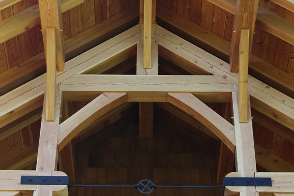 Bear-Rock-Colebrook-New-Hampshire-Canadian-Timberframes-Timber-Frame-Truss