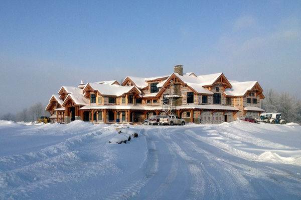 Hill-Top-Retreat-Collingwood-Ontario-Canadian-Timberframes-Construction-winter