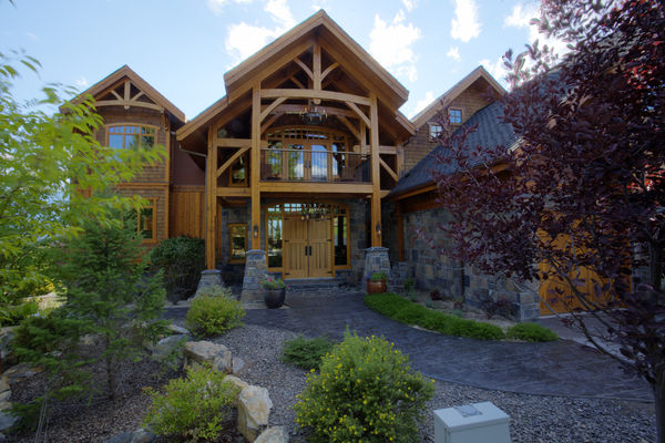 Osprey-Point-Invermere=British-Columbia-Canadian-Timberframes-Front-Entrance