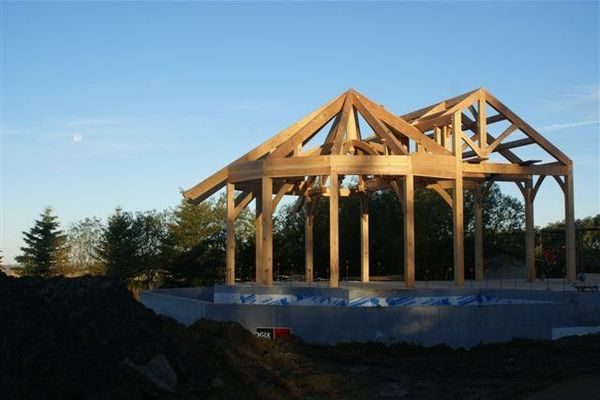 Woodland-Alberta-Canadian-Timberframes-Raised-Timber-Frame-Rotunda