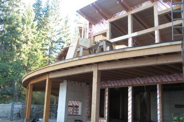 Curved-Chalet-Panorama-BC-Canadian-Timberframes-Construction