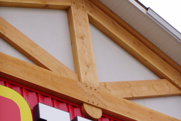 Home-Hardware-BC-Canadian-Timberframes-Timber-Accents-Truss