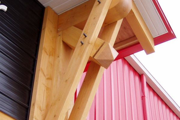 Home-Hardware-BC-Canadian-Timberframes-Timber-Detail