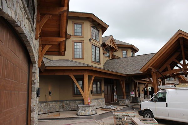 Rustic-River-Calgary-Alberta-Canadian-Timberframes-construction-timber
