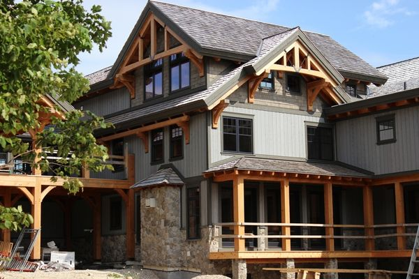 Hill-Top-Retreat-Collingwood-Ontario-Canadian-Timberframes-Construction-Siding