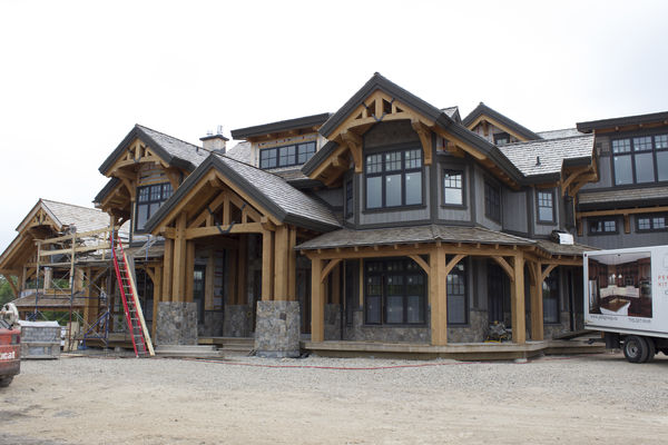 Hill-Top-Retreat-Collingwood-Ontario-Canadian-Timberframes-Construction-Trusses