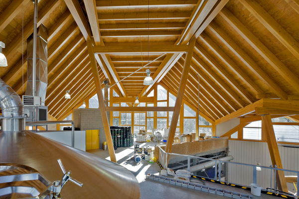 Grizzly-Paw-Brewery-Alberta-Canadian-Timberframes-Interior