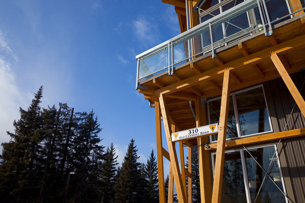 Grizzly-Paw-Brewery-Alberta-Canadian-Timberframes-Exterior