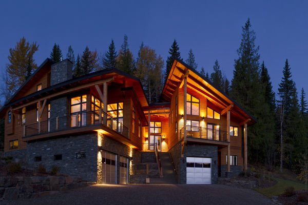 Alpine-Trail-British-Columbia-Canadian-Timberframes-Exterior-Night