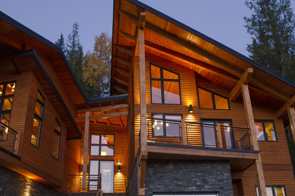 Alpine-Trail-British-Columbia-Canadian-Timberframes-Siding