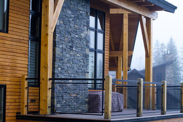 Alpine-Trail-British-Columbia-Canadian-Timberframes-Deck