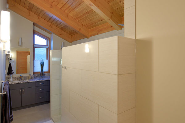 Alpine-Trail-British-Columbia-Canadian-Timberframes-Ensuite